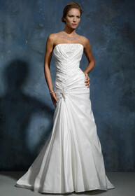 BRIDAL GOWN FIT AND FLAIRE